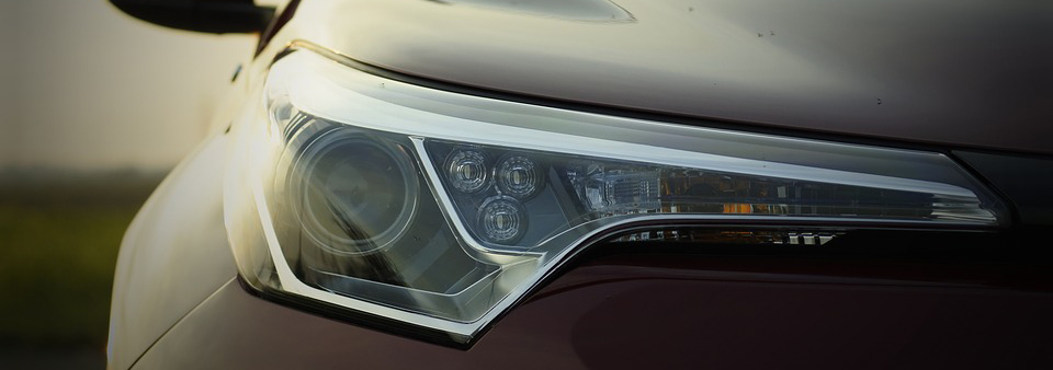 A headlight located on the right of the car